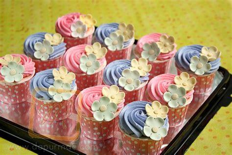 Orderan An Fransisca dapurmae toko kue surabaya pink blue cupcakes