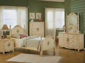 Painted Bedroom Furniture by Hand Painted Youth Bedroom Set Bedroom Furniture