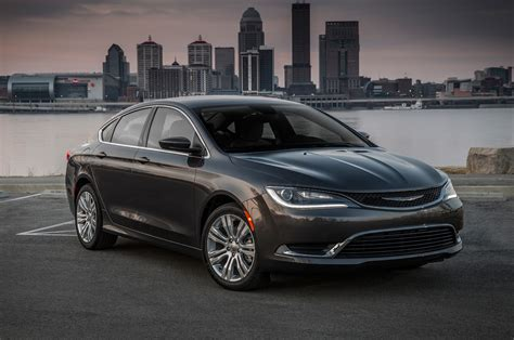 chrysler car 2016 2016 chrysler 200 reviews and rating motor trend