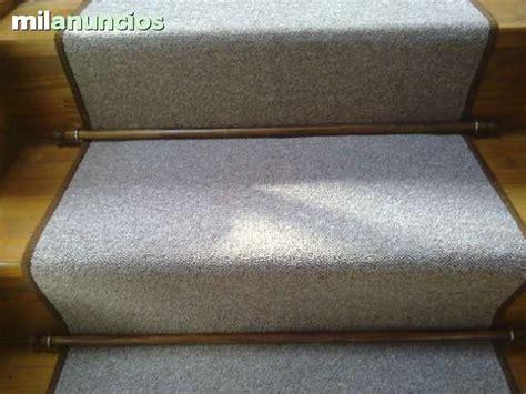 alfombra sobre moqueta mil anuncios moquetas y alfombras para escaleras
