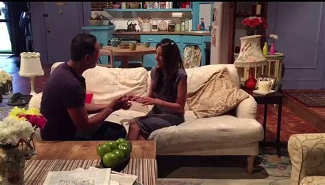 boyfriend pulls   friends fans dream proposal