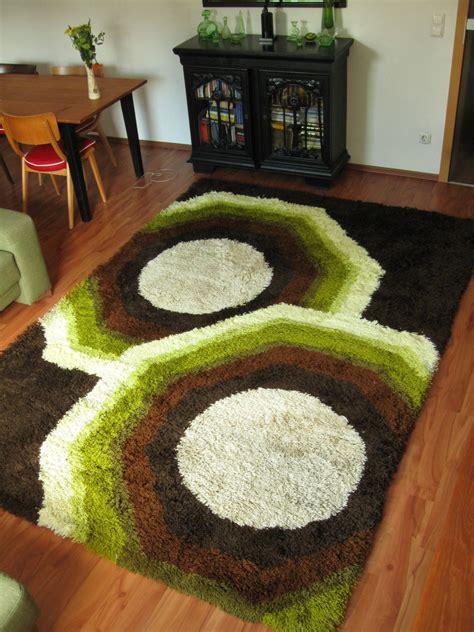 hochfloor teppich 70er hochfloor teppich archiv stoffe johnny tapete