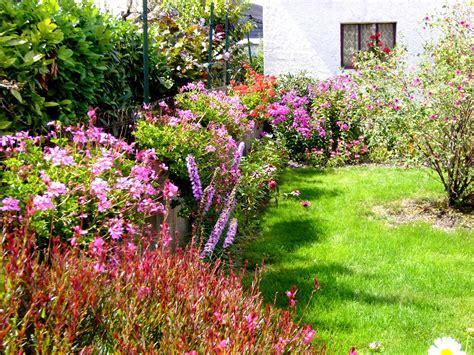 Creer Un Jardin Fleuri Toute L ée by Jardinage Jardin Fleuri Le De Jean Du 37