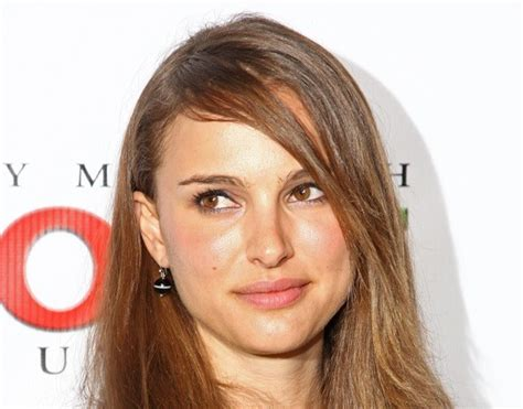 celebrity pictures photo agency natalie portman is beautiful even when poorly dressed