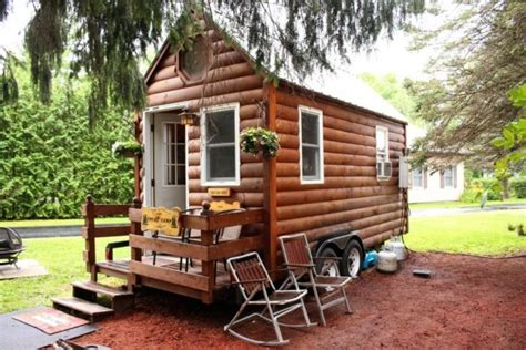 mother daughter house daughter lives with mother in tiny house for 3 days