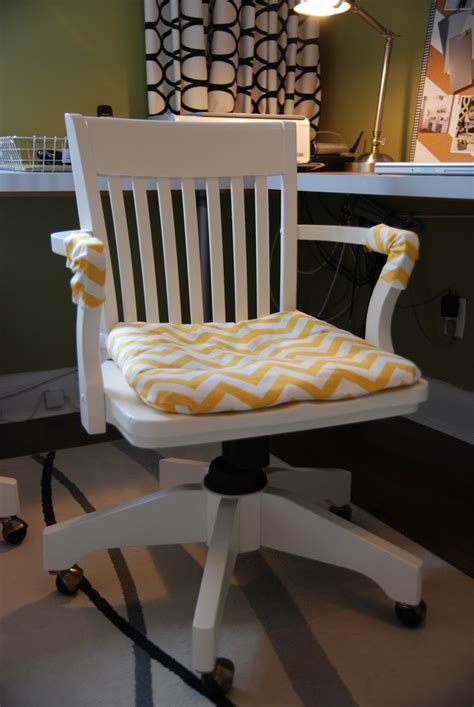 diy desk chair 25 best ideas about rocking chairs on rocking chairs rocking chair cushions