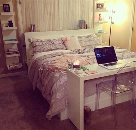Desk At Foot Of Bed by 32 Cool Bedroom Decor Ideas For The Foot Of The Bed
