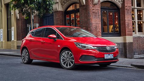 holden astra fuel consumption review 2017 holden astra review