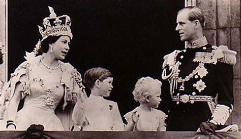 queen elizabeth 2 susan tattoo queen elizabeth ii crowned