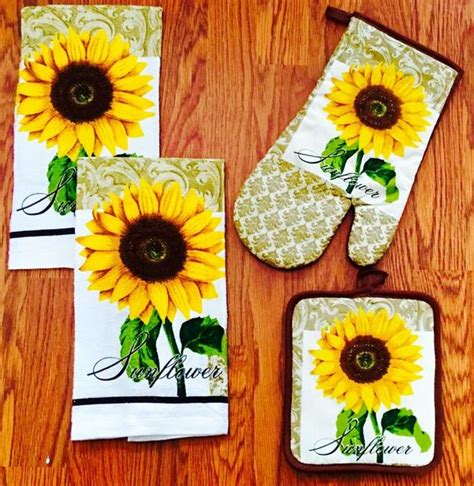 Sunflower Kitchen Accessories by 15 Cheerful Sunflower Kitchen Decor Ideas Shelterness