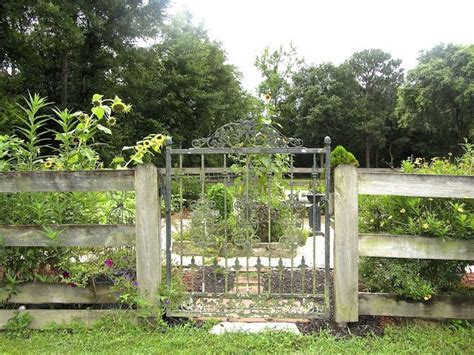 Garden Gate Shoals Al by Gorgeous Garden Gate Ideas For Skull Creek
