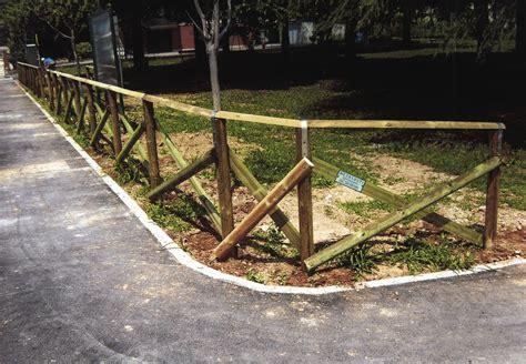 staccionata da giardino staccionata giardino recinzioni originali per un giardino