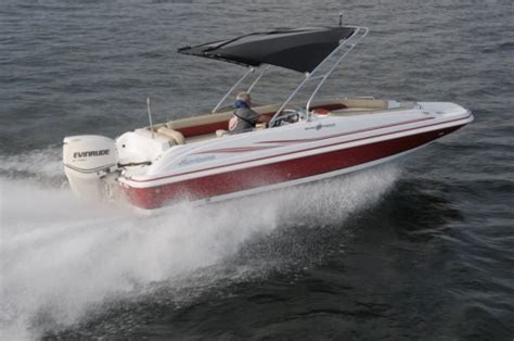 hurricane deck boat reviews hurricane sundeck sport 201 ob pontoon deck boat magazine
