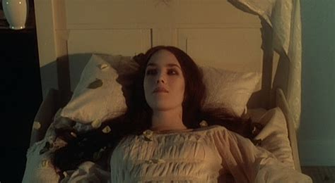 film horror lucy horror movies and beer isabelle adjani as lucy harker in