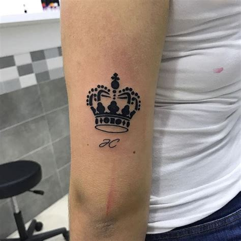 55 best king and queen crown tattoo designs amp meanings
