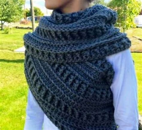 crochet pattern katniss cowl katniss crochet cowl free pattern plus video tutorial