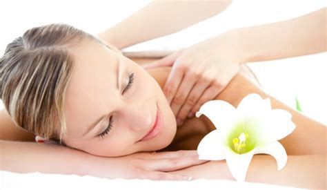 Does Massaging Your Muscles Help Detox by How Does A Detox Help To Eliminate Toxins Just