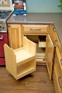 blind kitchen cabinet the blind corner cabinet above makes better use of