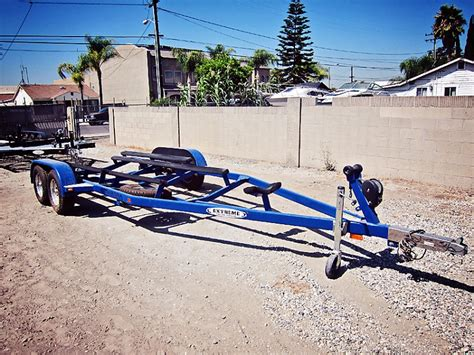 sold used 2005 extreme boat trailer will accommodate 21 - Extreme Boat Trailer Parts