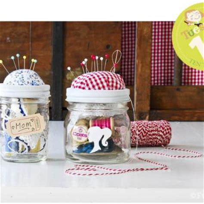 Handmade Sewing - sewing kit in a jar tip junkie