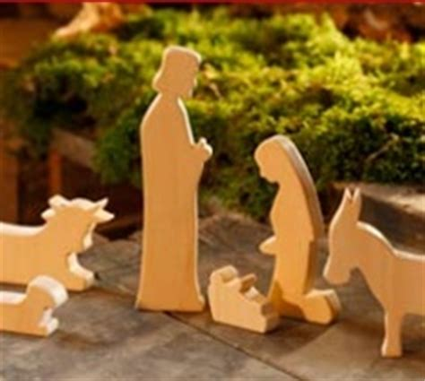 pattern for wood nativity scene top 5 pinterest nativity scenes collection sets figures