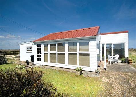 Cottages To Rent Kent Coast by Les Quatre Vents Dungeness Cottage