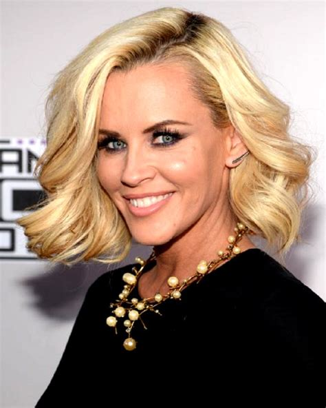 does jenny mccarthy have hair extensions with her bob does jenny mccarthy wear a weave jenny mccarthy without