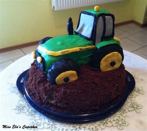 traktor kuchen rezept miss ela s cupcakes meine traktor torte