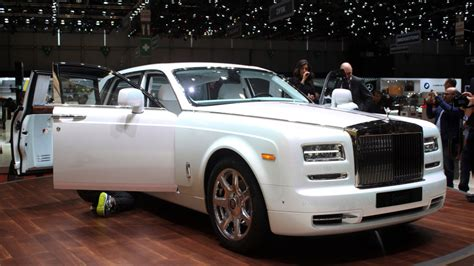 rolls royce phantom serenity rolls royce serenity takes luxury to a new level in geneva
