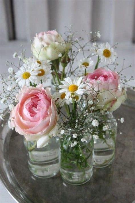 Blumen Tischdeko Einfach by Die 25 Besten Ideen Zu Tischdekoration Auf