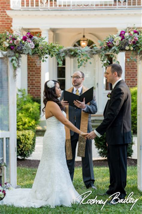 wedding officiant cost officiant prices weddingofficiants