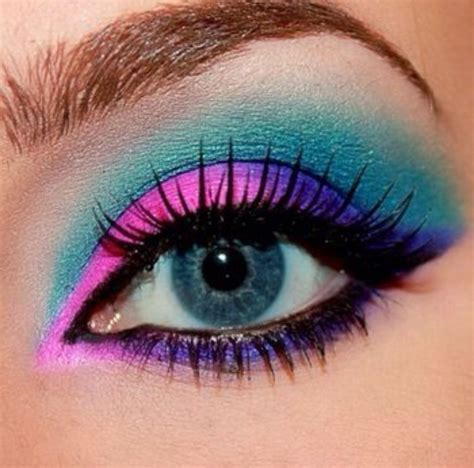 Eyeliner Me astonishing makeup not done by me just collecting for class pics hair and ideas concept trends