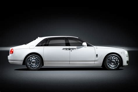 34 000 bmw and rolls royce models recalled with