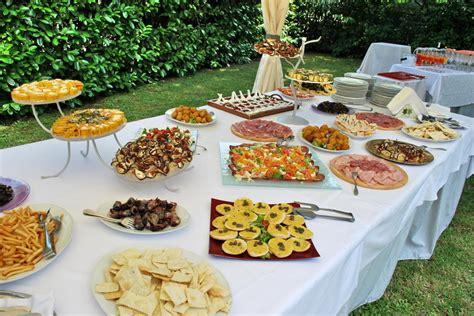 tavoli per buffet agriturismo specializzato per matrimoni vicino a bolgona