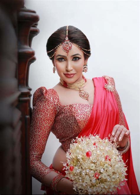 sri lankan actress back side photos sri lankan fashion ashiya dassanayake saree b s