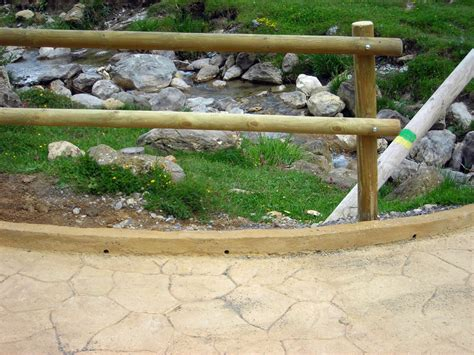 barandilla de un puente foto detalle barandilla en puente de grupo omas 139388