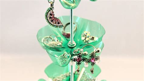 Pot Vas Bunga Handmade 06 why bother working make a jewelry stand out of plastic