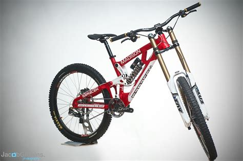 Shock Fox Downhill Saracen Dh Team Launched Pinkbike