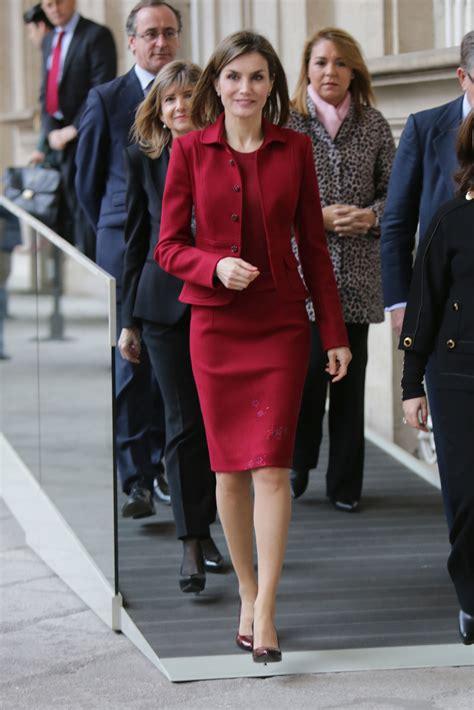 imagenes de vestidos escolares un traje de varela cuatro looks de la reina letizia