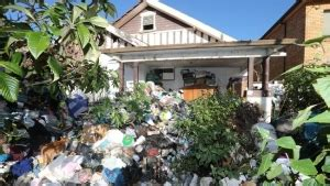 buying a hoarder house sell your hoarder house fast we buy hoarder houses as is