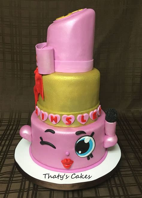 Help Decorate My Home lippy lips cake cakecentral com