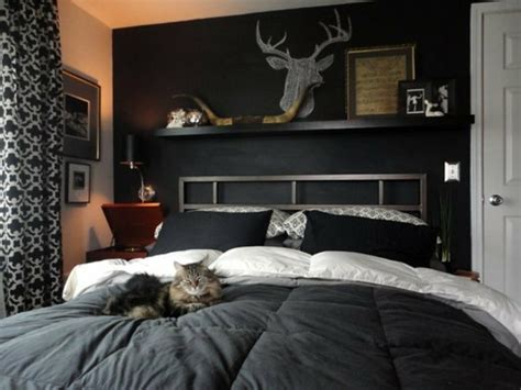 schlafzimmer mit schwarzen möbeln schwarze wandfarbe f 252 r schlafzimmer 30 bilder