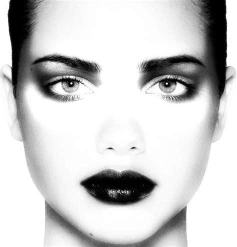 imagenes a blanco y negro de rostros ex 243 ticos y llamativos rostros en blanco y negro im 225 genes