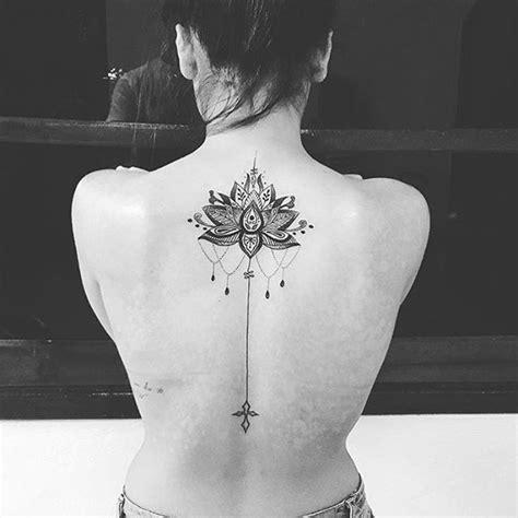 tatuaggi fiore di loto oltre 25 fantastiche idee su disegni fiore di loto su