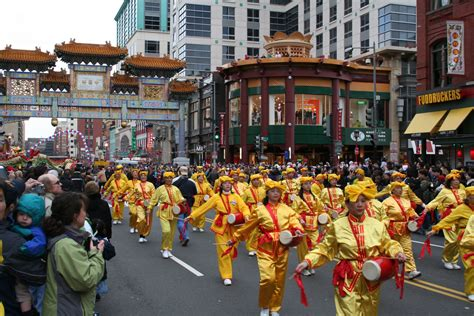 new year parade on washington dc falun gong practitioners participate in