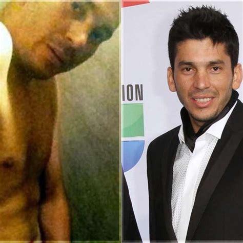 fotos de el flaco de los recoditos desnudo sin censura vocalista de los recoditos habla de foto al desnudo