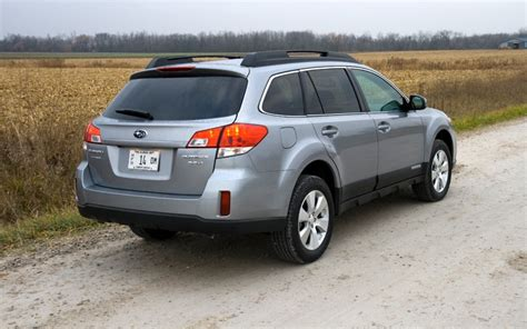 2010 subaru outback 3 6 r limited review 2010 subaru outback 3 6r limited march 2010 four seasons