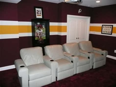 redskins bedroom redskins wall paint house divided cowboys vs redskins pinterest wall ideas