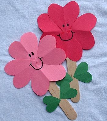 Construction Paper Crafts For Kindergarten - 25 best ideas about construction paper flowers on