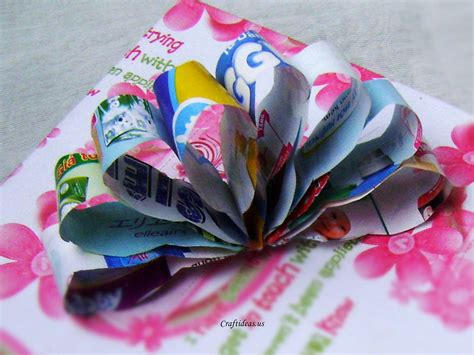 Papercrafting Ideas - recycling paper paper flower bow craft ideas
